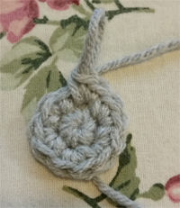 crochet working in a round